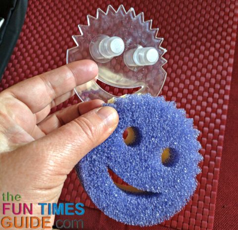 the scrub daddy sponge holder that called the Sponge Daddy Caddy