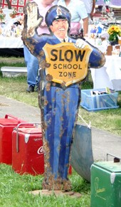antique-sign-attracts-attention-to-your-yard-sale.jpg