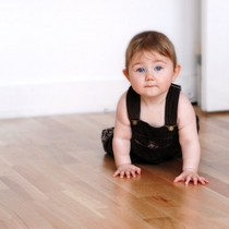 baby-crawling-on-hard-wood-floor-by-rrss.jpg