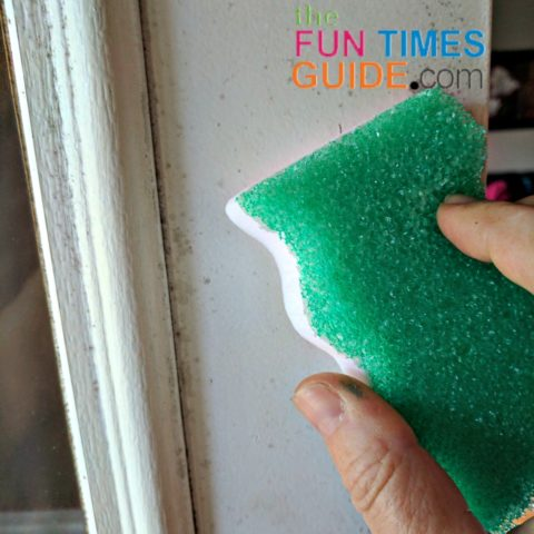 using eraser daddy sponge on door frame