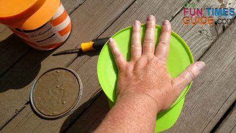 creating-a-seal-on-the-paint-can-lid