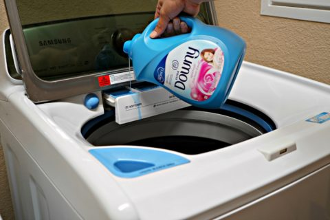 Should I use fabric softener? Do you NEED fabric softener when doing laundry? Is fabric softener bad? Answers to these and MANY more questions about fabric softener and dryer sheets.