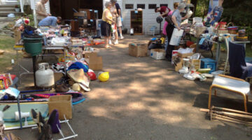 What Are The Hottest Yard Sale Items? What Sells Best?