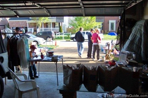 garage-sale-people