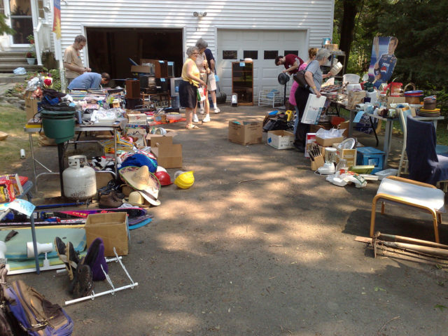 What Are The Hottest Yard Sale Items What Sells Best