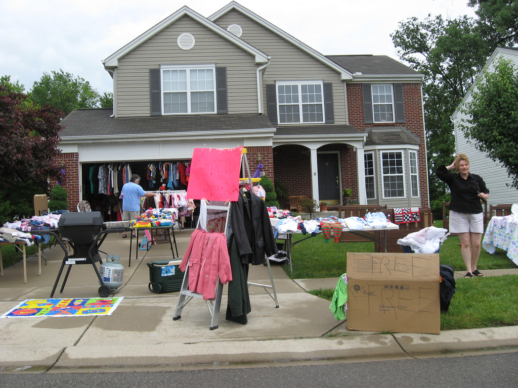 Yard Sale Shopping 101 Tips For Finding Garage amp