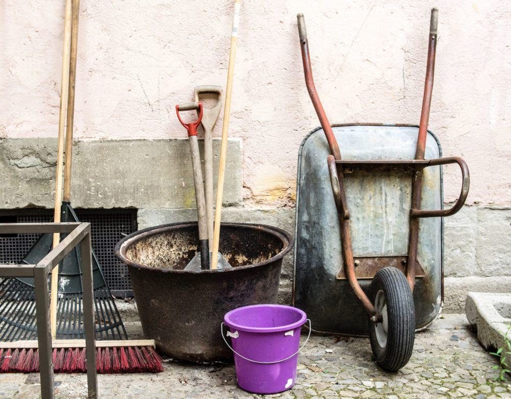 7 essential garden tools you need for easy gardening the for Gardening tools you need