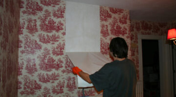 Home Wallpaper Removal Tips That Work (…DON'T Paint Over It!)