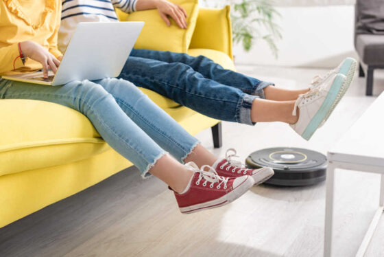 Looking for robot vacuum cleaner reviews? Here's my experience with Roomba and iLife robot vacuums... and I have 3 dogs!