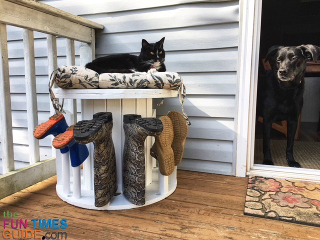 Diy Boot Rack Bench Tutorial See How To Make A Boot Rack