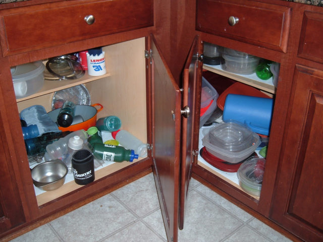 Delicieux Kitchen Cabinet Organizers By Rubbermaid Products