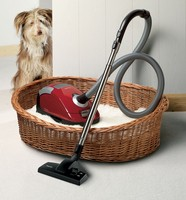 miele-vacuum-cleaner-is-small-compact.jpg