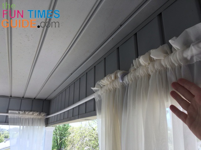 This Is What It Looks Like With The Curtain Panels Hanging On Diy Outdoor