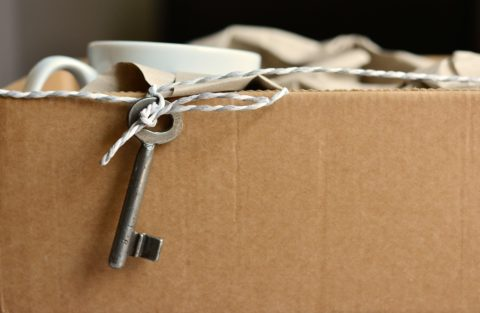 Packing to move into a new house? These tips for packing boxes for your move will help you save time and stay organized!