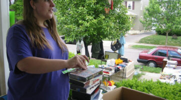How To Prepare For A Yard Sale: 5 Things You Need To Do NOW!
