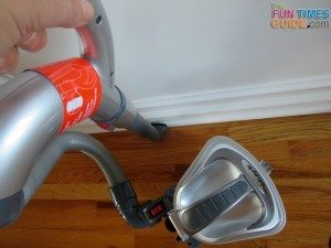 swivel-baseboard-cleaning-attachment