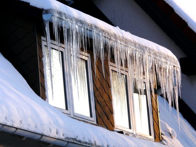Make Your House Gutters Work Better In The Winter: 5 Ways ...