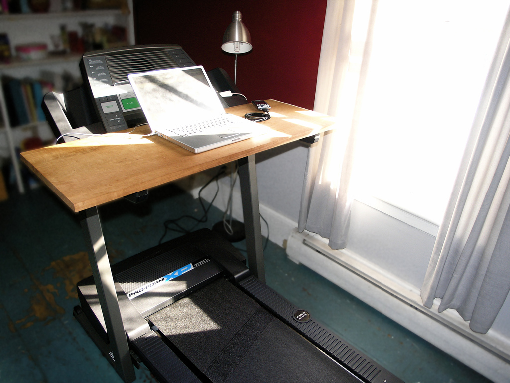 A Treadmill Desk Enables You To Move More Amp Lose Weight
