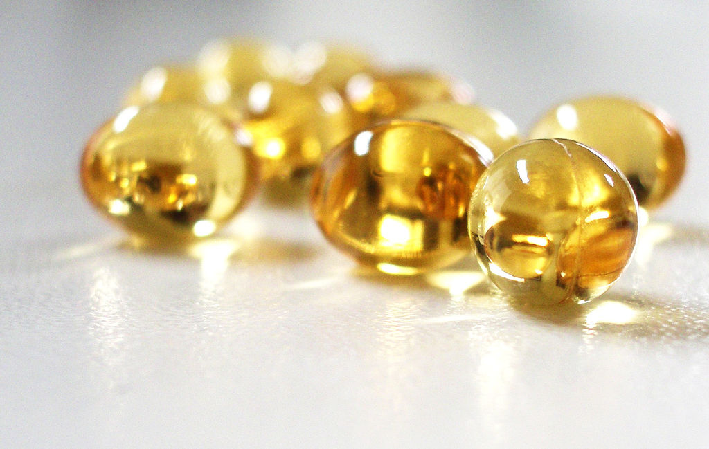 http://household-tips.thefuntimesguide.com/images/blogs/vitamin-e-capsules-by-selva.jpg